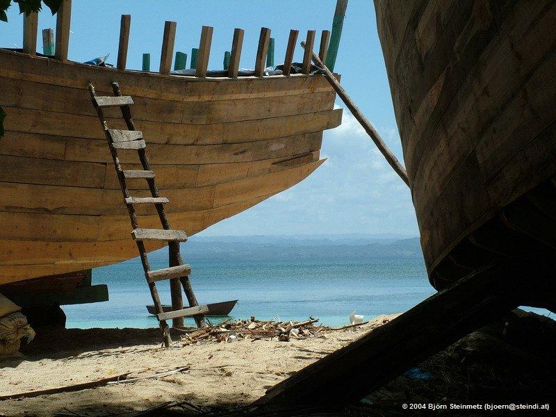 Bootsbau in der Laguna Gri-Gri