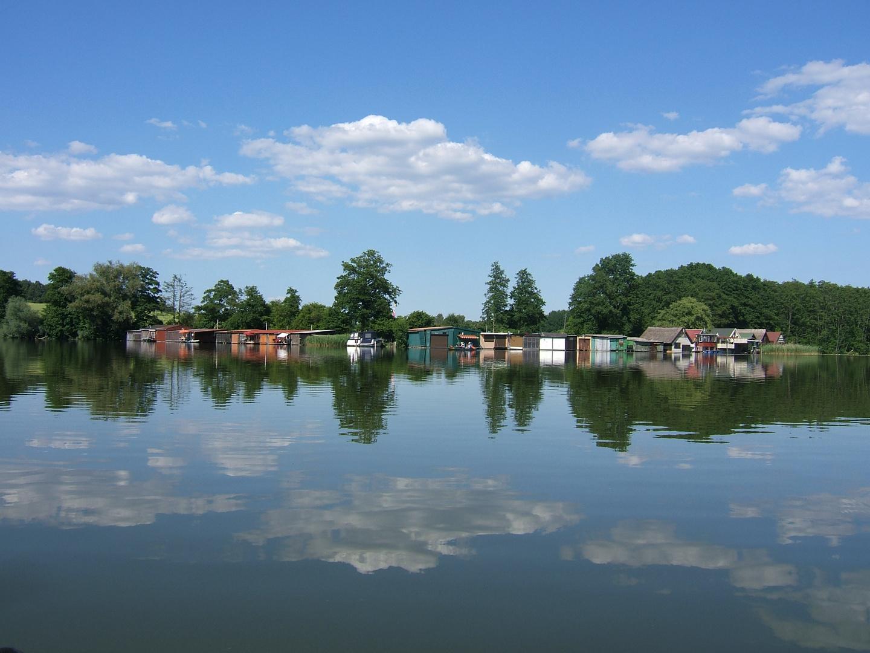 Bootshäuser am Klenzsee