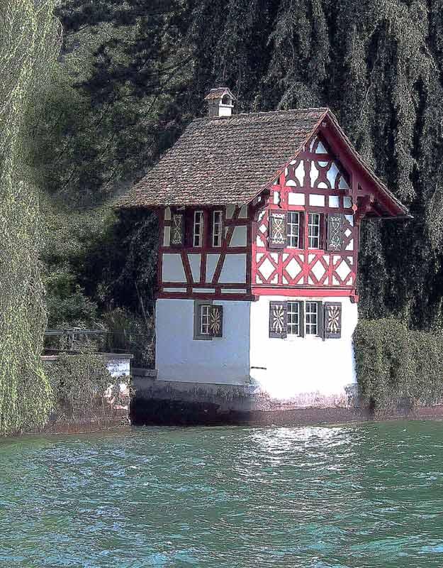 Bootshaus am Rhein