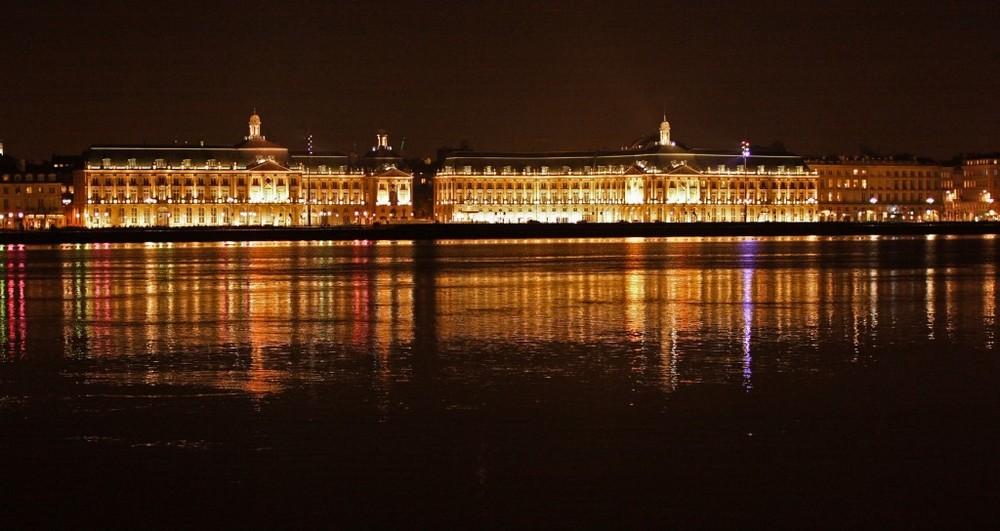 Bordeaux by night:Place de la Bourse