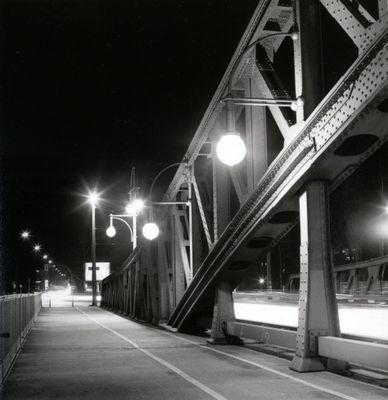 Bornholmer Brücke bei Nacht, Berlin-Prenzlauer Berg