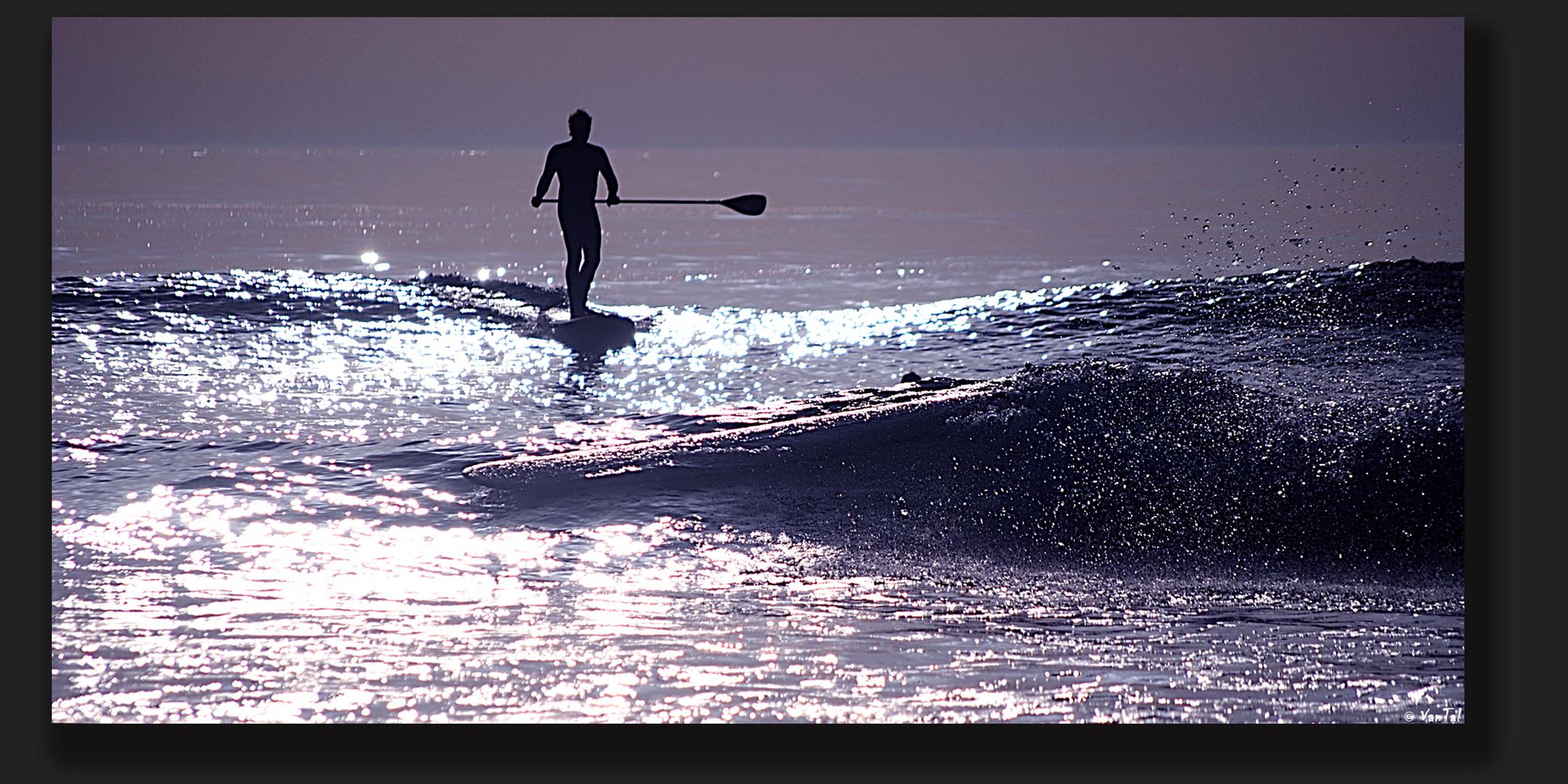 Borrar el tiempo y practicar surf sobre el obsequio.