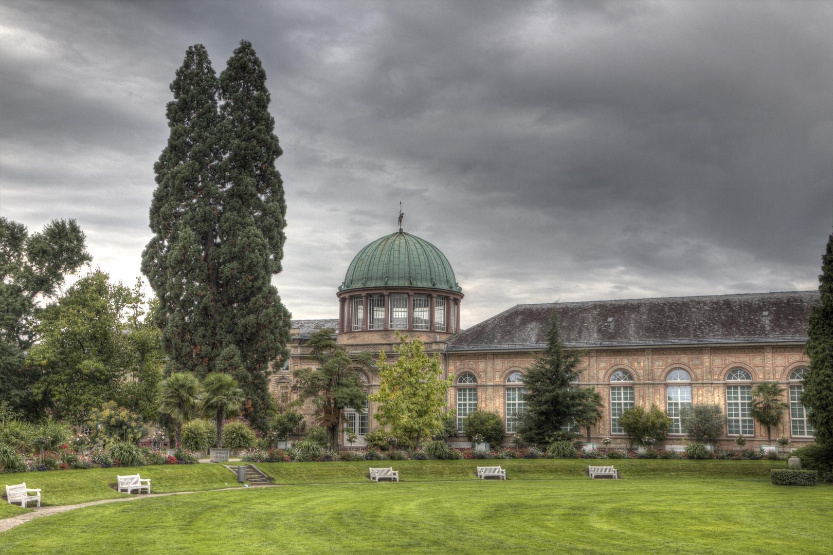 Botanischer Garten Karlsruhe - Orangerie und Staatliche Kunsthalle in HDR