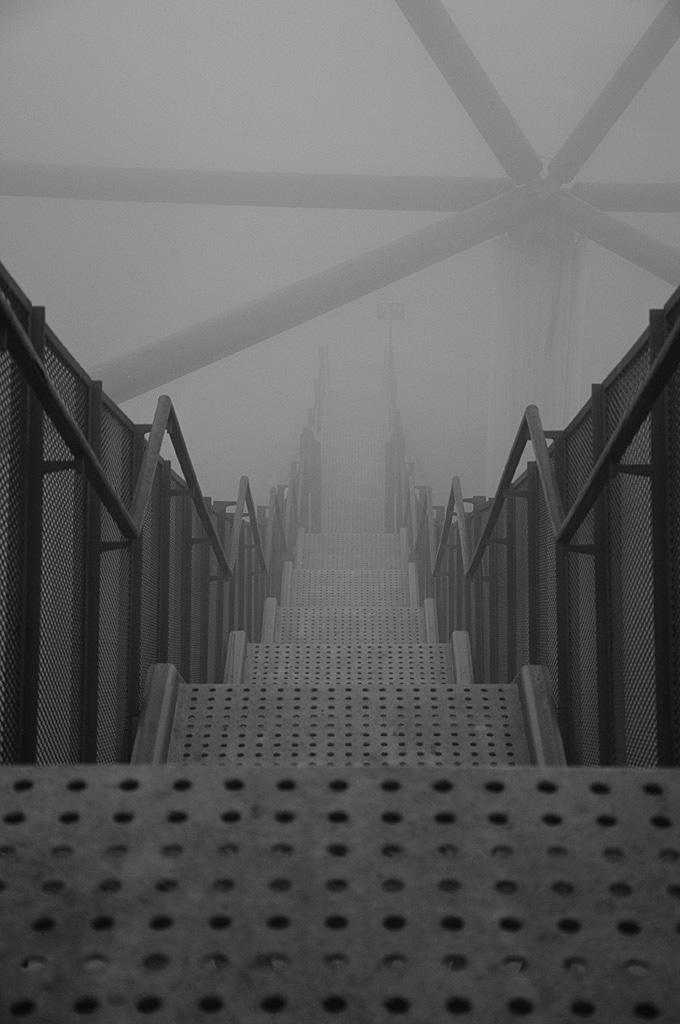 Bottrop Tetraeder im Nebel 2