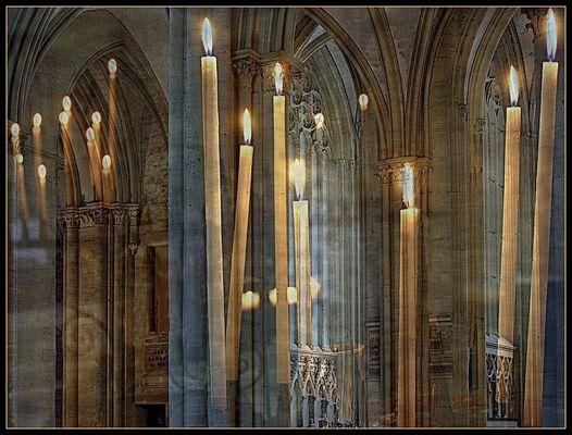 Bougies dans la cathédrale de Coutances
