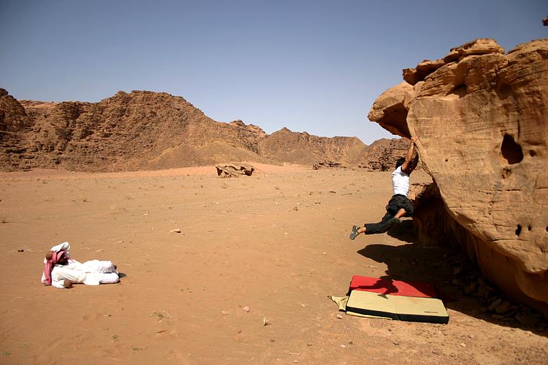 Bouldern in der Wüste II