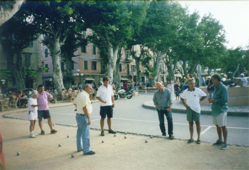 Boules-Spieler auf Korsika