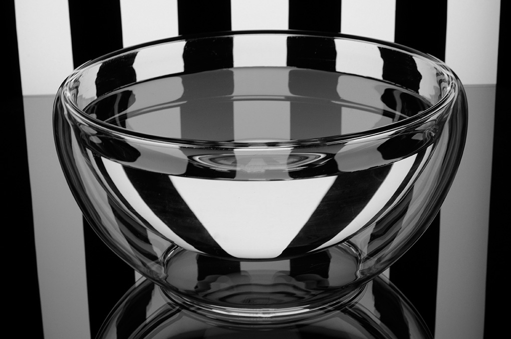 Bowl black & white