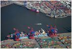 Boxentausch im Hafen