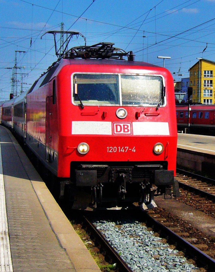 BR 120 in Nürnberg Hbf