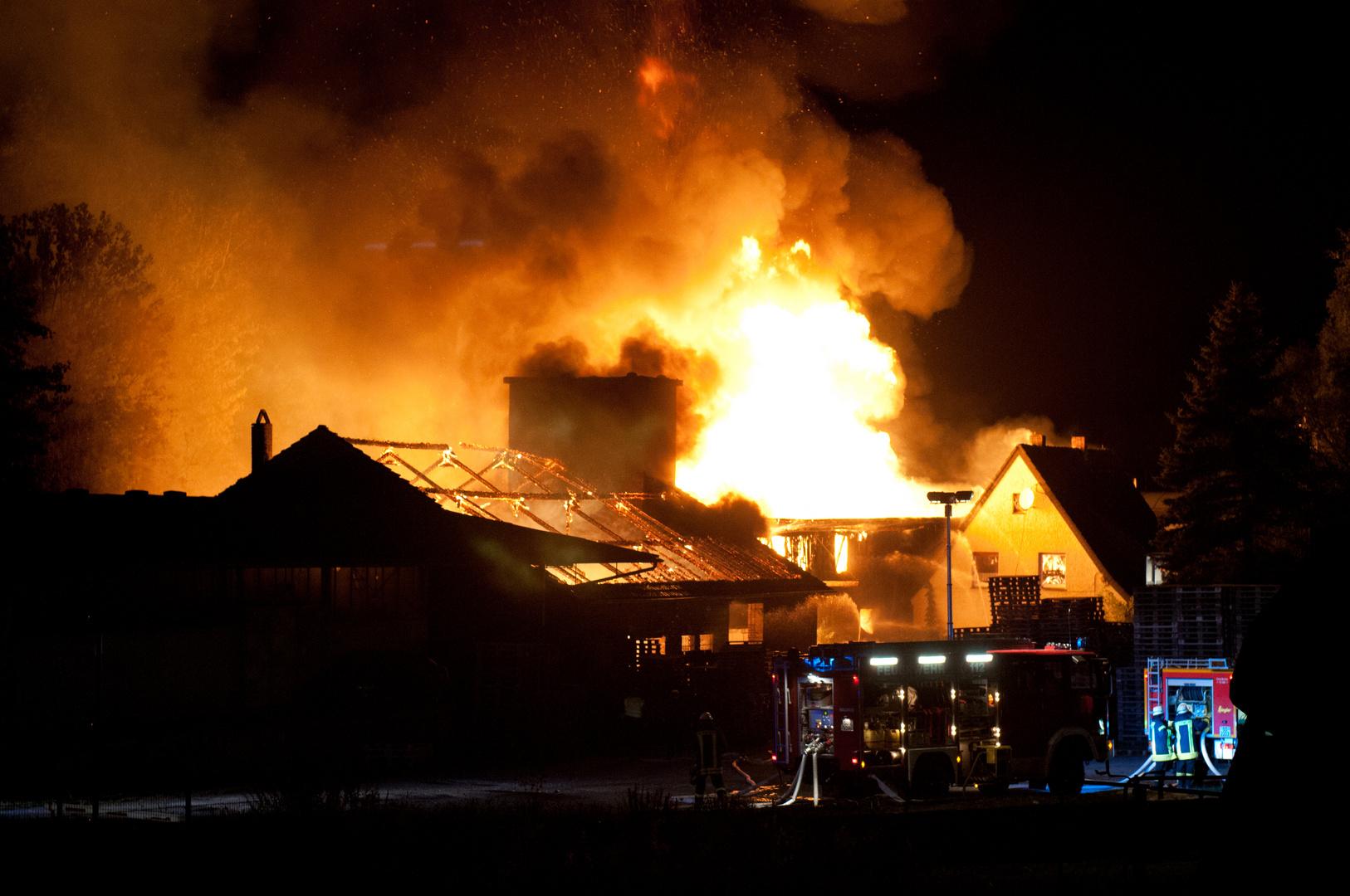 Brand in einem Palettenlager
