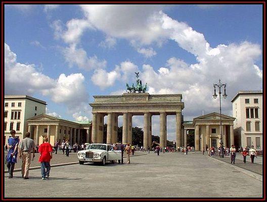 Brandenburger Tor mit allem drum und dran