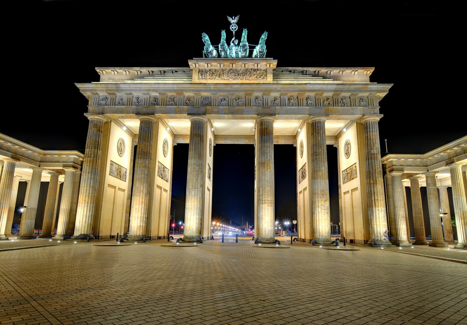 Brandenburger Tor / Unter den Linden