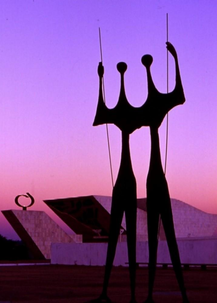 BRASILIA - Pomerggio in Piazza dei Tre Poteri (Tarde na Praça dos Tres Poderes)