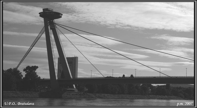 Bratislava, UFO... le pont!