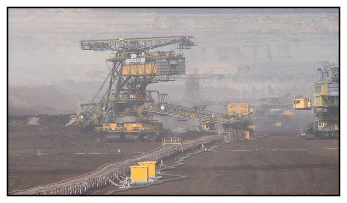 Braun-Kohle abbau für ein Kraftwerk