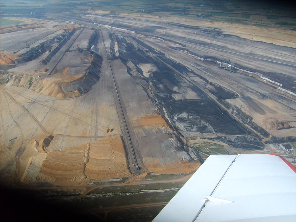 Braunkohle-Tagebau Rundflug