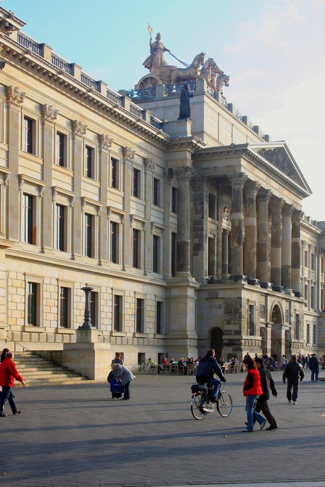 Braunschweig Schlossportal von NW