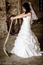 Braut bei der Arbeit