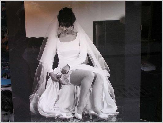 Braut im Schaukasten