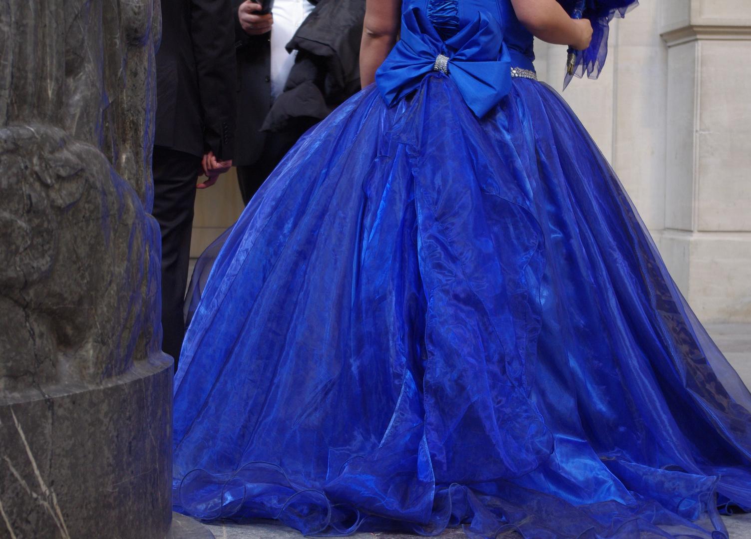 Braut in Blau