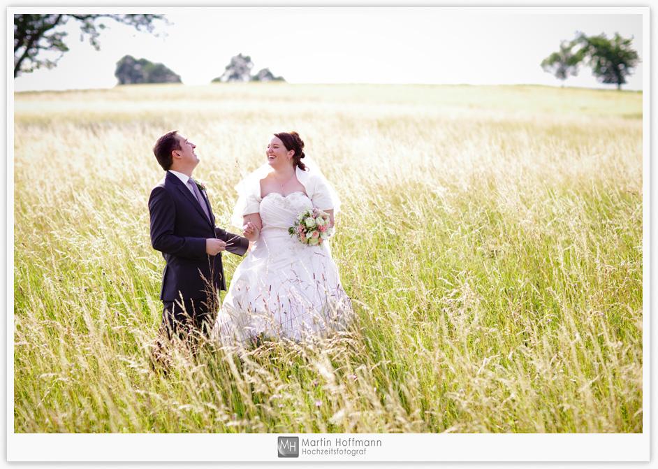 Brautpaar in Wiese
