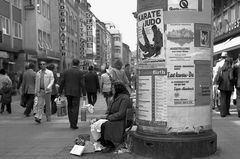 Breite Gasse Nürnberg - Blumen 1,50 DM - April 1974