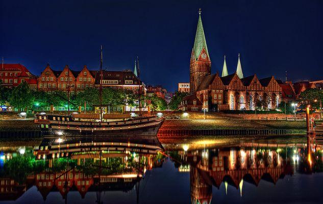 Bremen by night