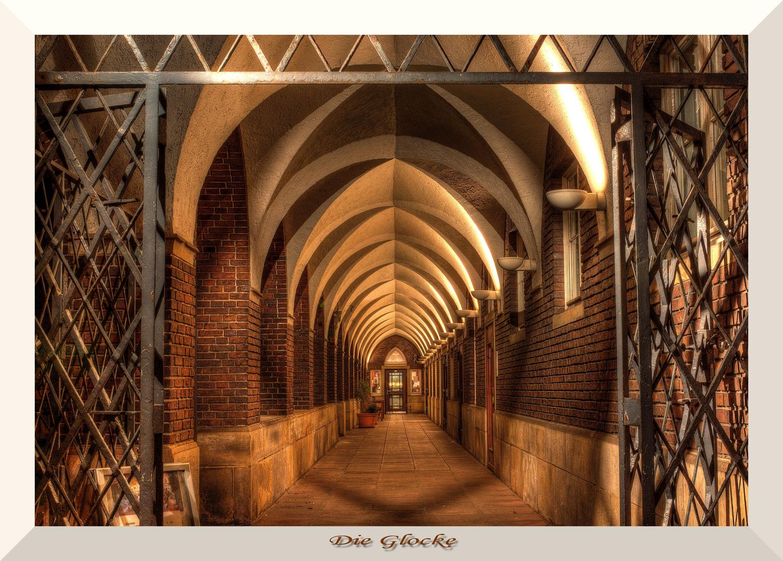 -Bremen Nightview Die Glocke-