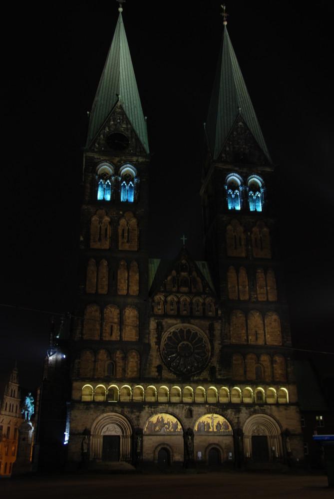 Bremer Dom bei Nacht