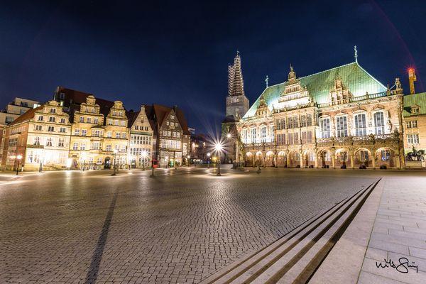 Bremer Marktplatz bei Nacht