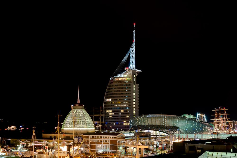 Bremerhaven bei Nacht - III