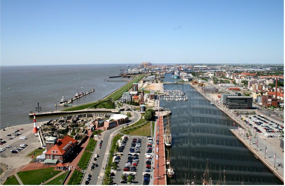 Bremerhaven , Blick vom SAIL City Richtung Norden