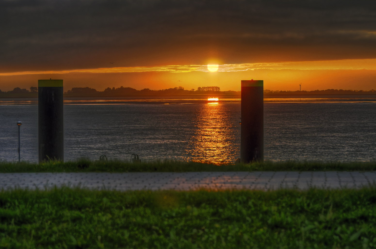 Bremerhaven, Wesermündung, Sonnenuntergang