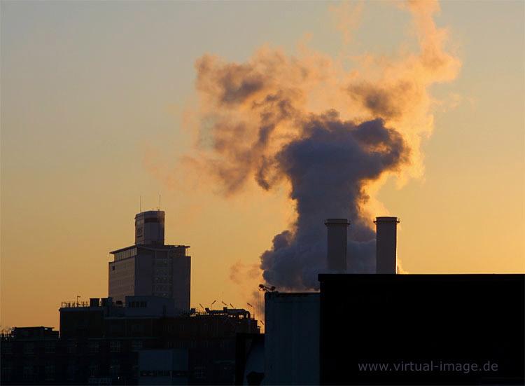 Brennende Fabrik