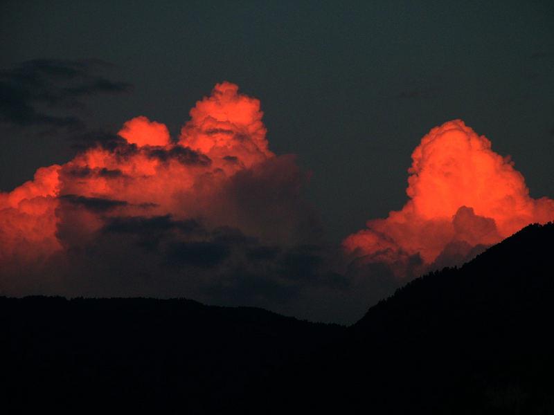 Brennende Wolken über Südtirol