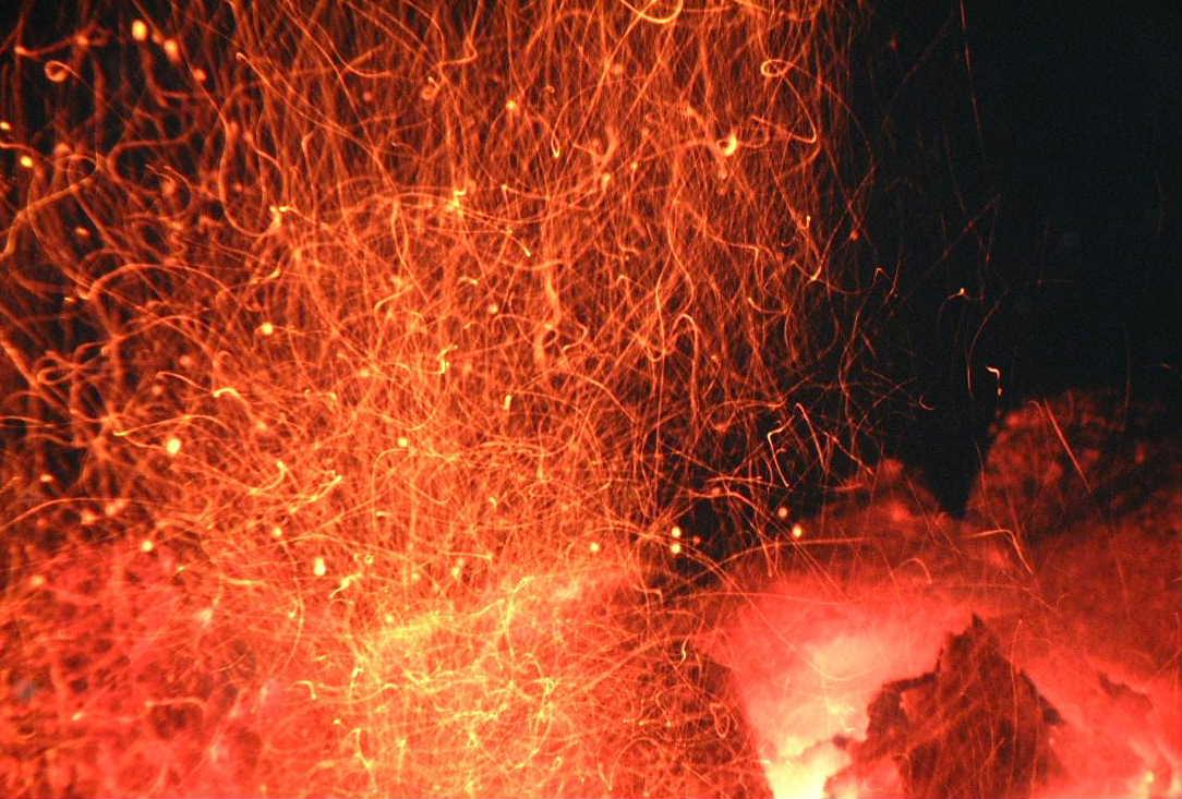 brennender Brikett
