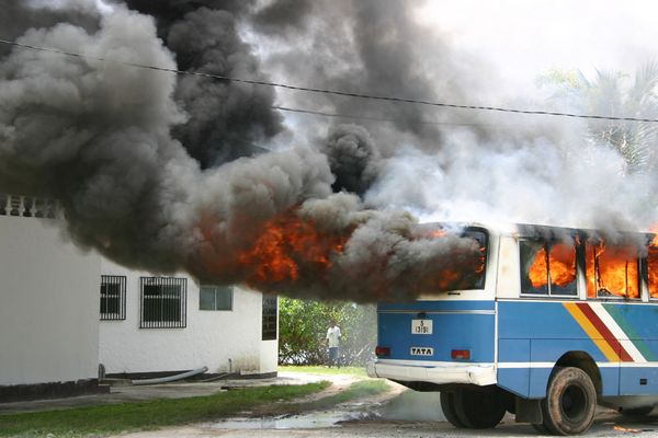 Brennender Bus