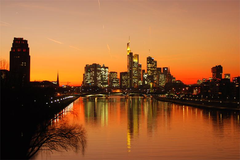Brennender Himmel über Frankfurt