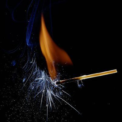brennendes Streichholz 2