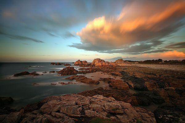 *; Bretagne...................*