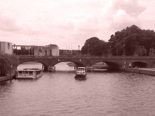 Bridge (Berlin-Sepia-Projekt - Pic. 030)