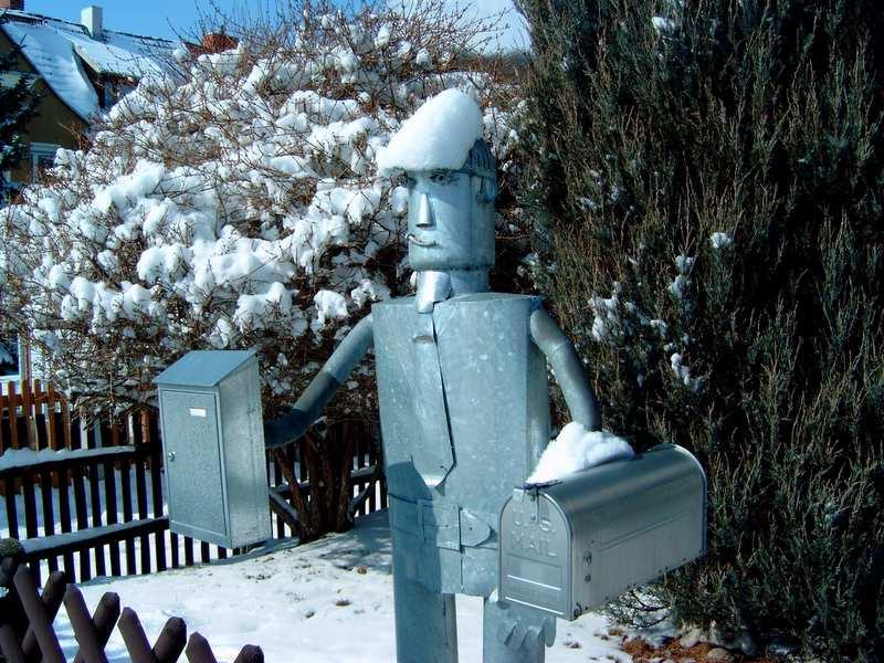Briefkasten im Winter