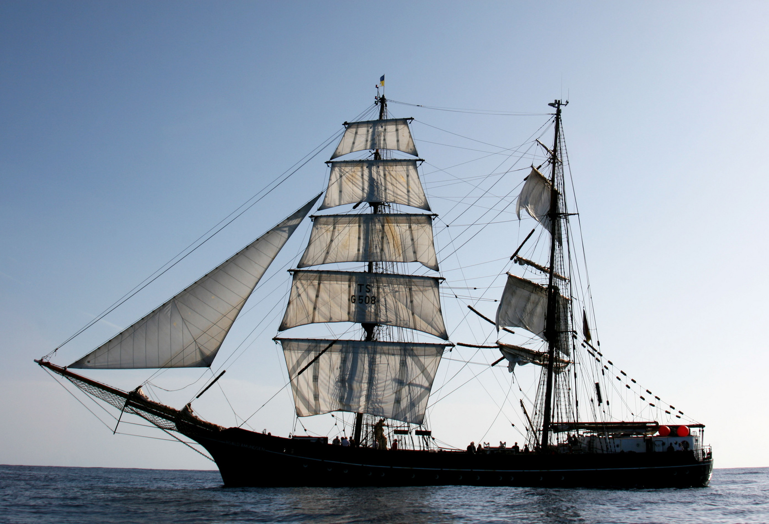 "Brigg ""Roald Amundsen"""