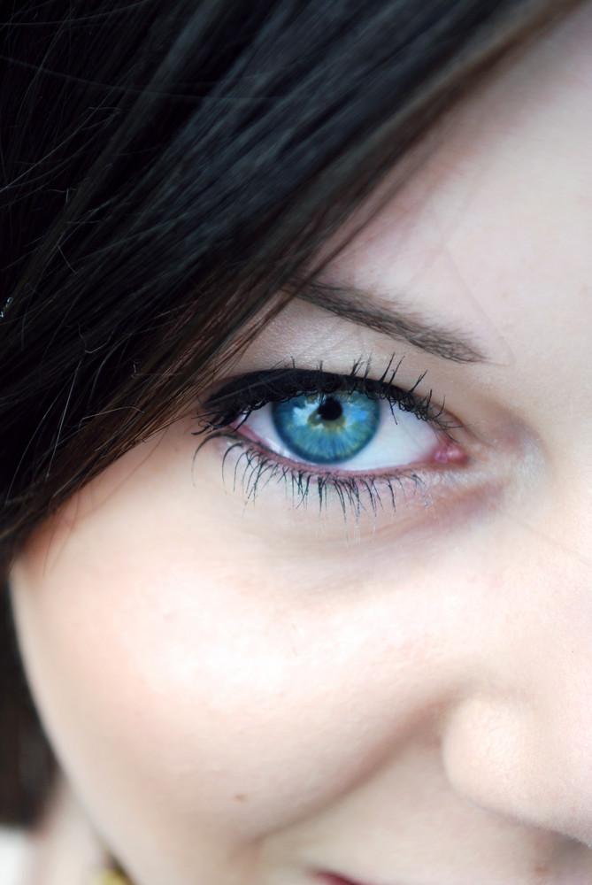 bright eyes.