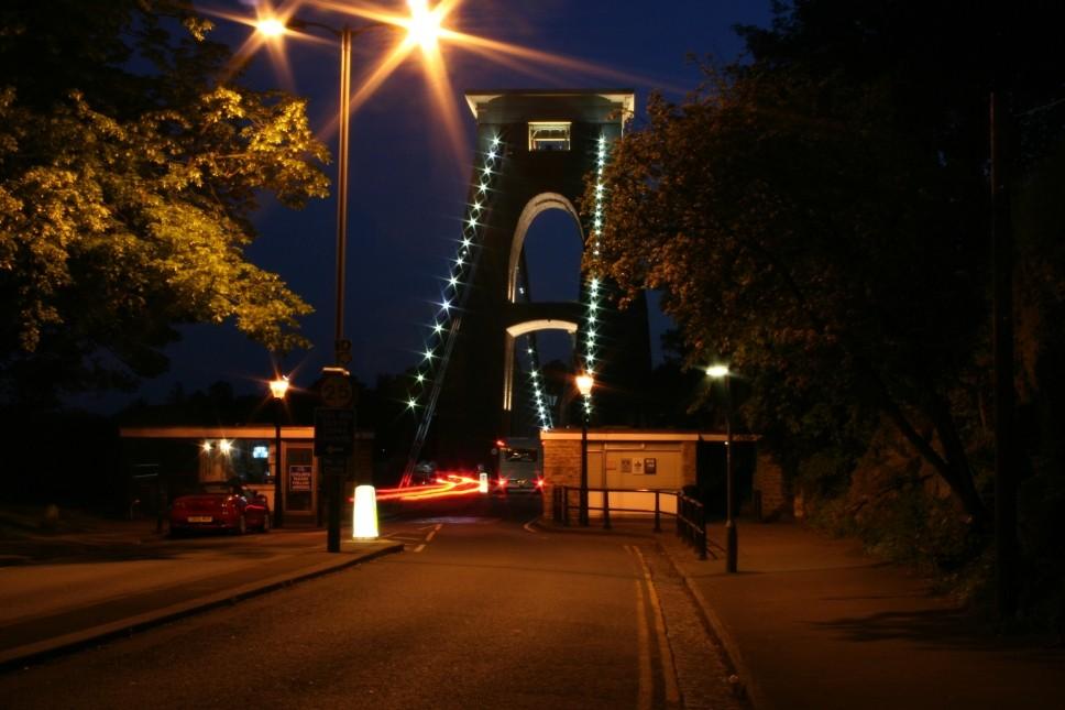 BRISTOL - Brunels Suspension Bridge by night