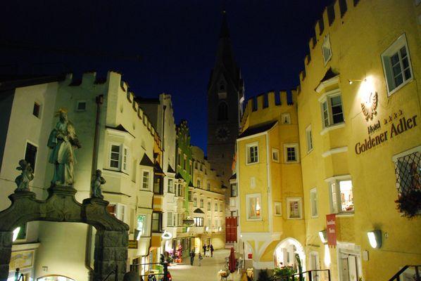 Brixen bei Nacht
