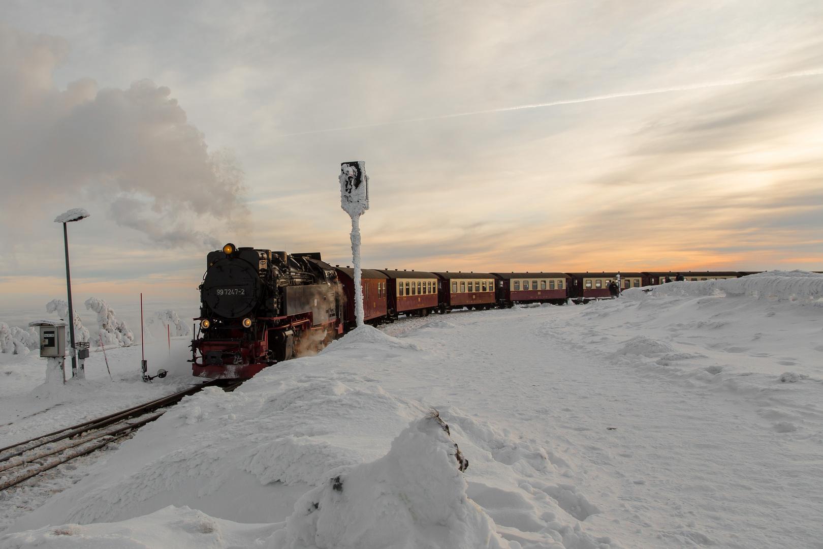 Brockenbahn, Ankunft am Gipfel