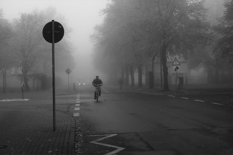 Brötchenholen inner Nebelsuppe