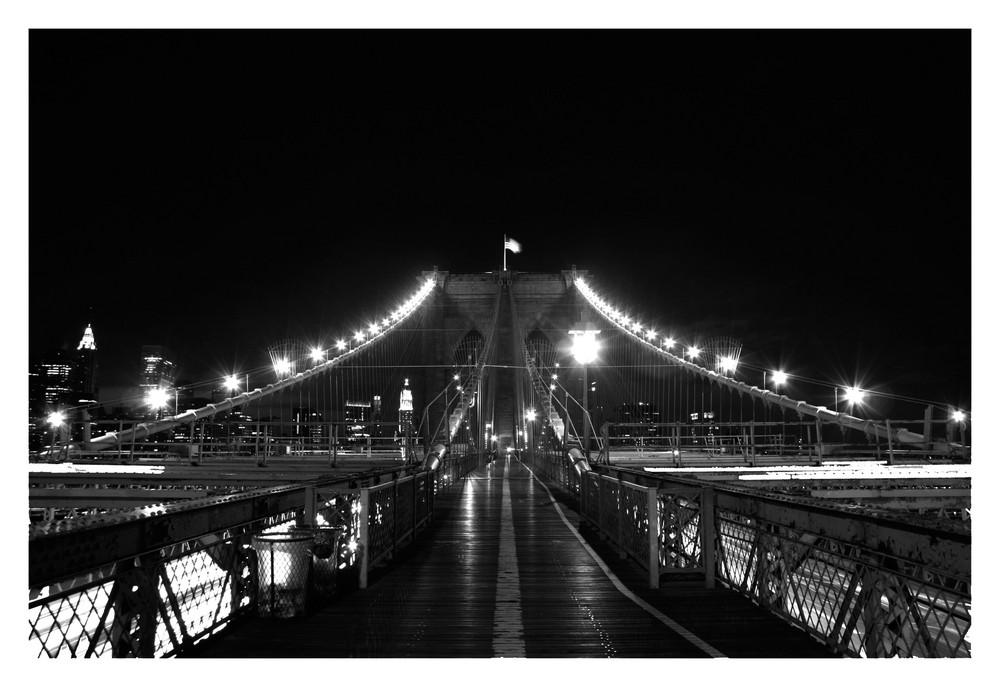 Brooklyn Bridge by night